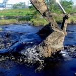 Limpeza de lagoas industriais