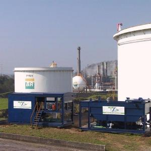Limpeza de tanques de óleo